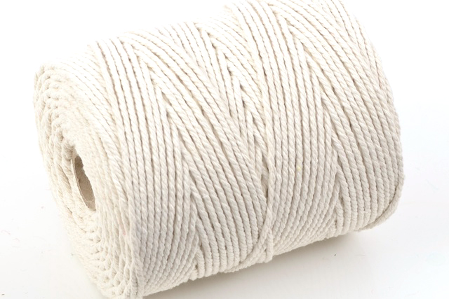 NO.3 EVERLASTO (4MM) NATURAL COTTON PIPING CORD 0.5KG SPOOL