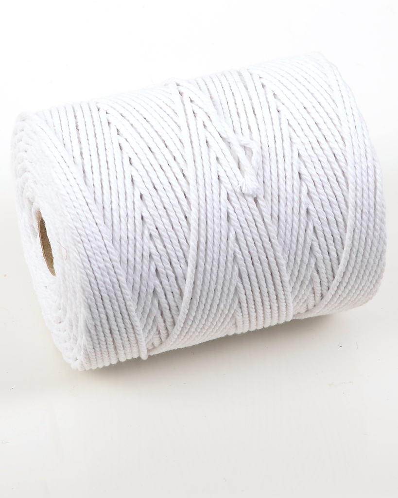 NO.4 EVERLASTO (4.5MM) BLEACHED COTTON PIPING CORD 0.5KG SPOOL